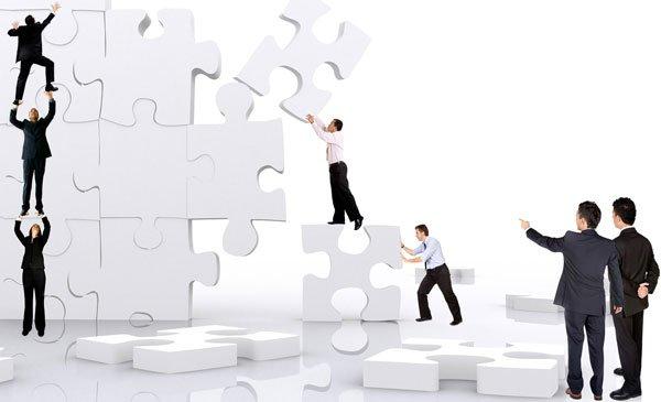 El liderazgo efectivo debe fomentar la sinergia del equipo